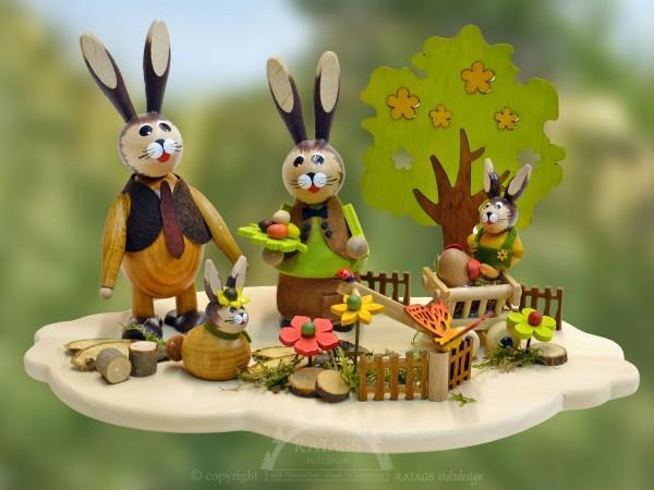 Tischschmuck Hasenfamilie im Garten, Ostern, echt Erzgebirge