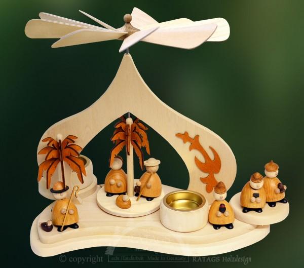 Massivholzpyramide, Heilige Familie