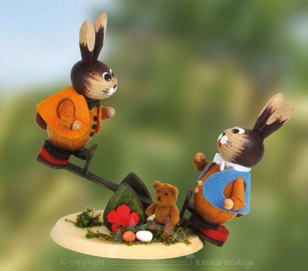 Hasenspielplatz mit Wippe und Teddy, Ostern, echt Erzgebirge