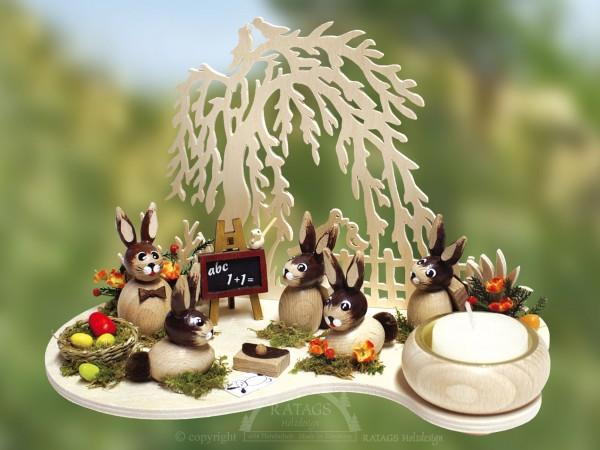 Hasenschule mit Kindern und Baum, Ostern, echt Erzgebirge